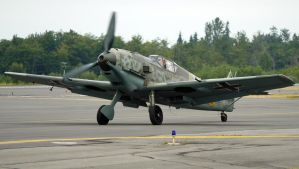 Messerschmitt Bf-109E3 Taxi by shelbs2