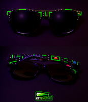 Fluorescent Pac-man sunglasses by Ketchupize