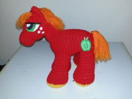 Big Macintosh Crochet by MomswitGunz