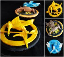 The Hunger Games: Mockingjay Cupcakes by cakecrumbs