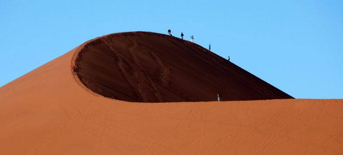 Walking on dunes by Suppi-lu-liuma