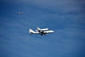 Endeavour Over Hollywood by xraystyle