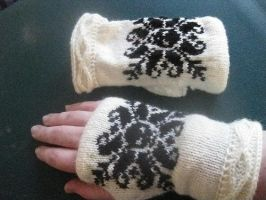 Deathflake gloves by Plucky-lass