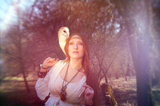 Girl with owl by zadveri