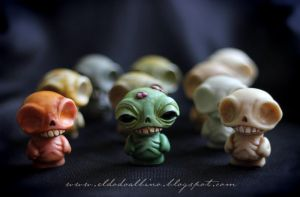Wee Bones , resin mini figures. Toy Art by dodoalbino