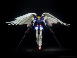 Wing Gundam Zero (Endless Waltz) by covenan