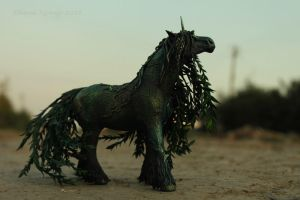 Dark Willow horse by hontor