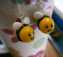Bumble Bee Earings Commission by Kelzky