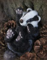 Needle felted badger by Fittobeloved