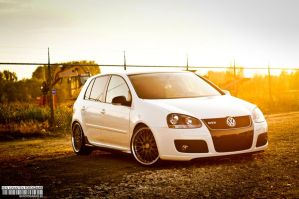 Golf 5 GTD by bekwa