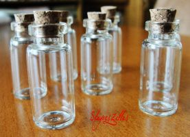 2ml Clear Glass Bottle Set with Corks by Benia1991