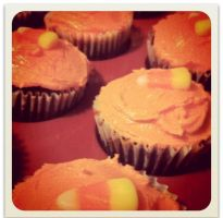 Halloween Candy Corn Cupcakes by LamieG