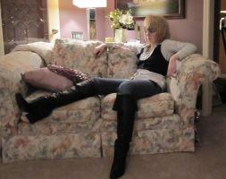Jareth Relaxing by mimisikokryptonite
