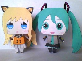 Vocaloid Papercrafts : Seeu and Hatsune Miku by Diegoxpoke
