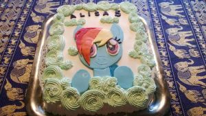 Rainbow Dash cake by BrokenKyuubi