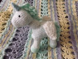 Amigurumi Unicorn by lovechairmanmeow
