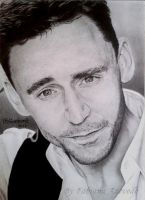 Tom Hiddleston by FabianaAzevedo