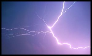 Lightning 6-11-08 2 by FramedByNature
