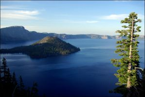 Wizard Island Crater Lake Ore. by chrisntheboat