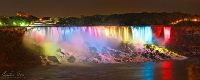 Niagara Falls at night by Nightline