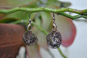 Wire Cage Earrings (Bronze) by thumbelyna