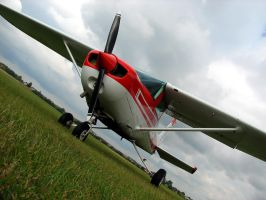 Cessna 152 SP-KIS by QmP3L