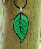 Emerald Green Leaf Glass by FusedElegance