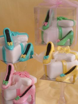 Lady's Shoe Cup-cake by Verusca
