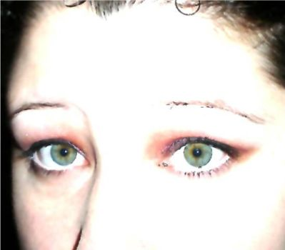 spooky zombie eyes by Trissabelle