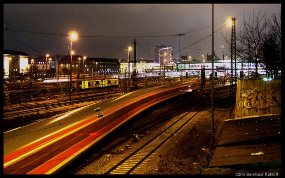 MUC central station by night by cappuMUC