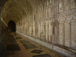 Gloucester Cathedral Arch 4 by EarwenSeregon