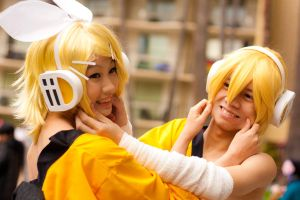 Rin and Len - Childish Frolick by BertLePhoto