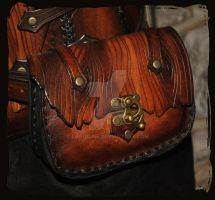 belt leather case bark by Lagueuse