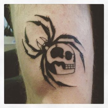 Spider skull tattoo by Farlatattoo