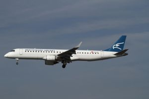 Embraer ERJ-190-200LR 195LR by PlaneSpotterJanB