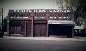 old time garage by simpspin