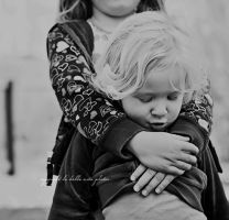 a sister's squeeze by Aeburse