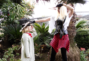 Pirate!Fem!England Cosplay #4 - Playing with Emily by YamiMana