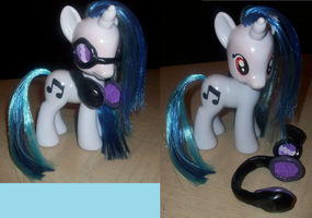 Custom Fashion Vinyl Scratch by Gryphyn-Bloodheart