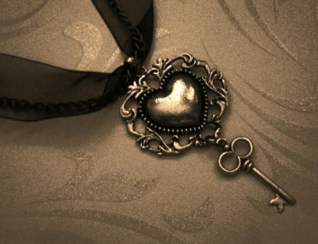 Heart Key Ribbon Necklace by mzvampy