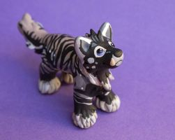 Wolf sculpture commission for Amber by SculpyPups