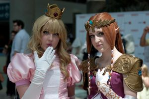 AE 2011: Peach x Zelda by de-dal