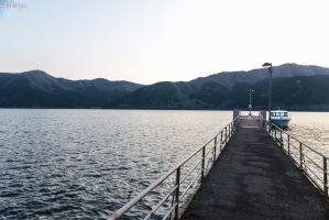 dusk over the Hakone lake by Rikitza