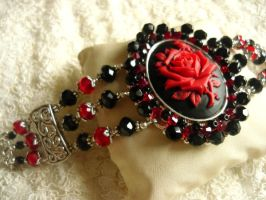 red rose bracelet by diwatox