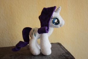 Rarity Plushie by Siora86