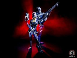 Garrus and Tali cosplay lightpainting by Nebulaluben