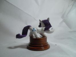 Rarity statuette 2 by McMesser