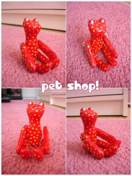 Pet Shop - Starwberry Frog by visualdolls