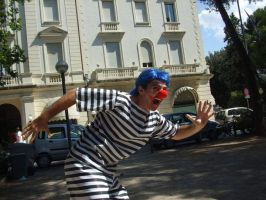 Onepiece cosplay: Buggy from Impel down running by DocSkavenger