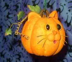 Pumpkin Puss Mini by crokittycats